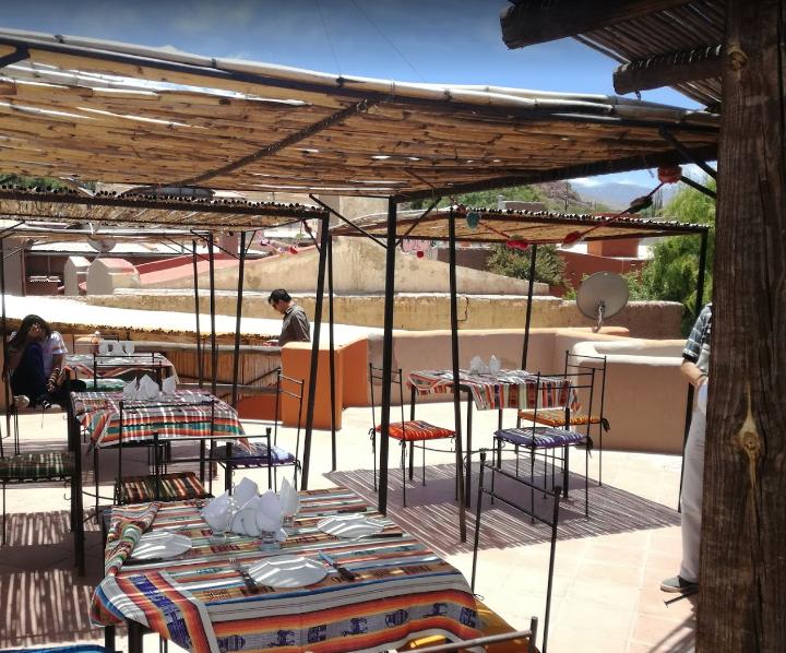 comer en restaurante kuntur bar purmamarca