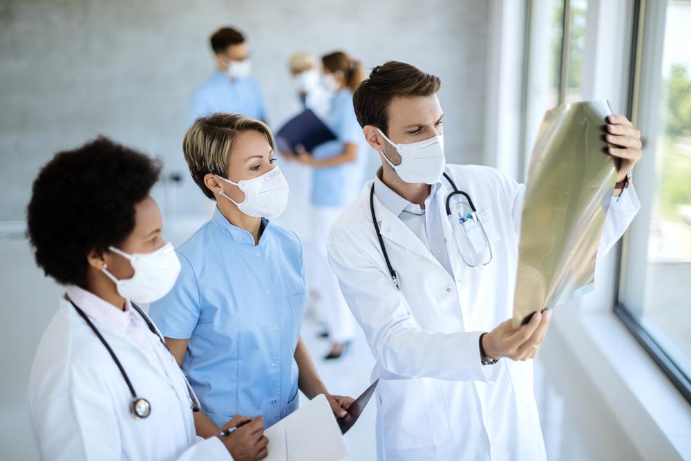 Pacientes possuem o direito individual de negar a utilização de suas imagens clínicas nas universidades. (Fonte: Shutterstock)