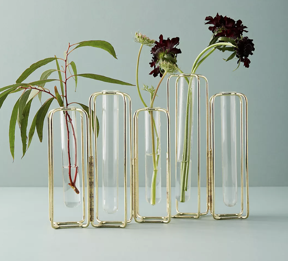 staggered vases for wedding table centerpiece by Anthropologie
