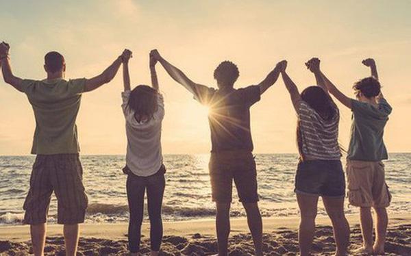 Thiết lập mối quan hệ tốt với bạn bè và gia đình chàng