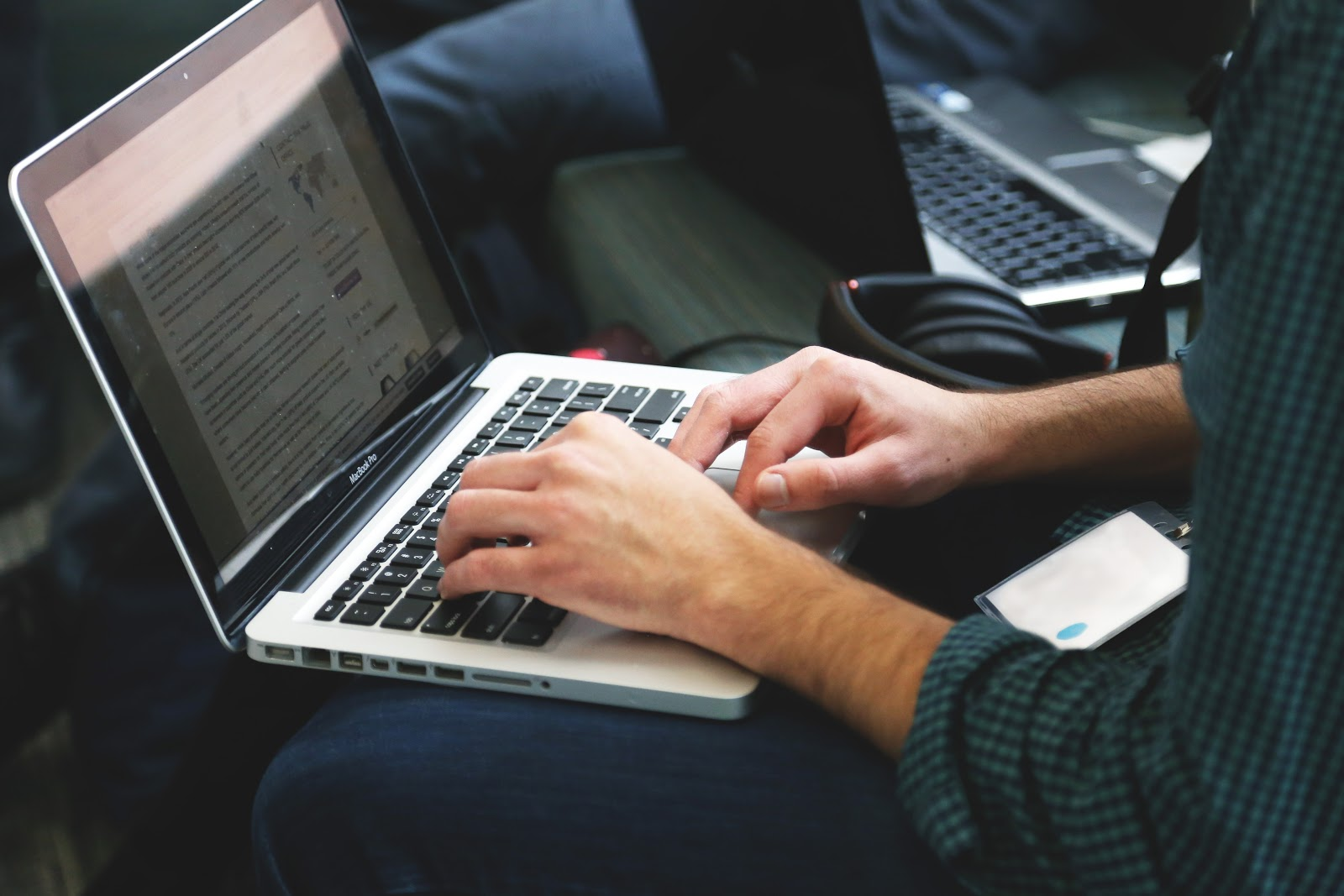 freelance writer at the computer