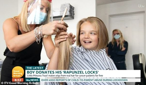 Boy cuts his hair for the first time and donates it to make wigs