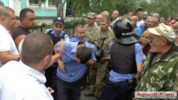 Затримання поліцейських, підозрюваних у причетності до злочину в Кривому Озері на Миколаївщині