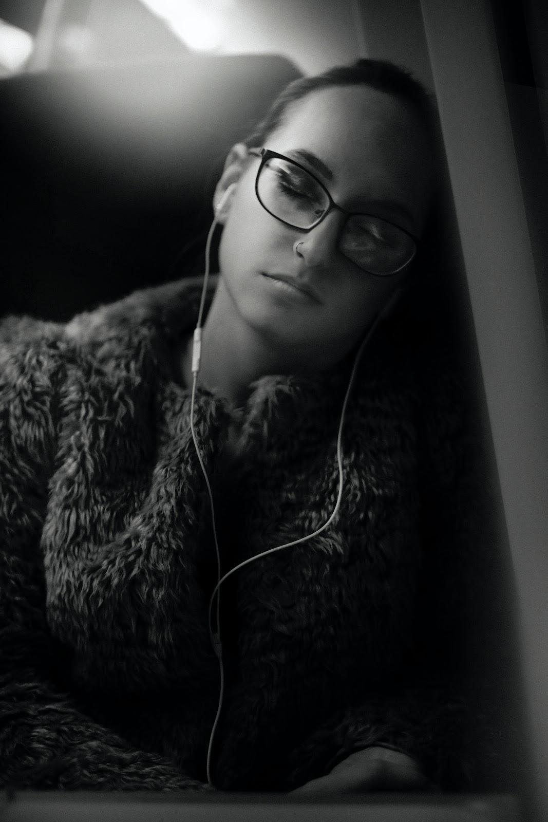 Deep sleep music for insomnia