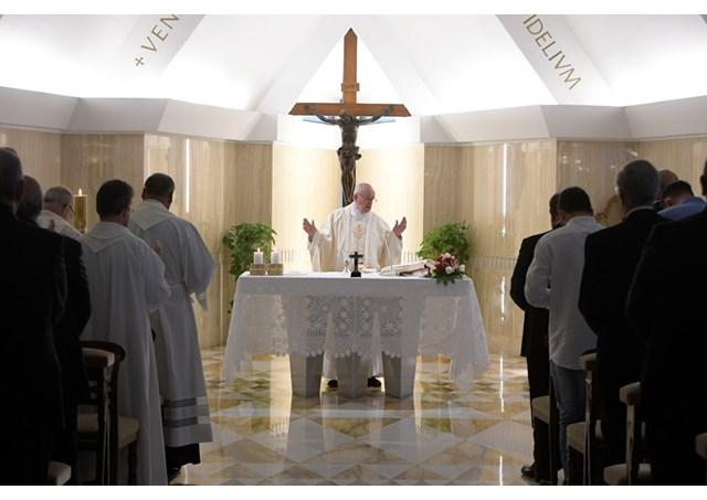 Đức Thánh Cha: 'Chúng ta phải cầu xin Thiên Chúa ban cho món quà tình yêu và niềm vui'