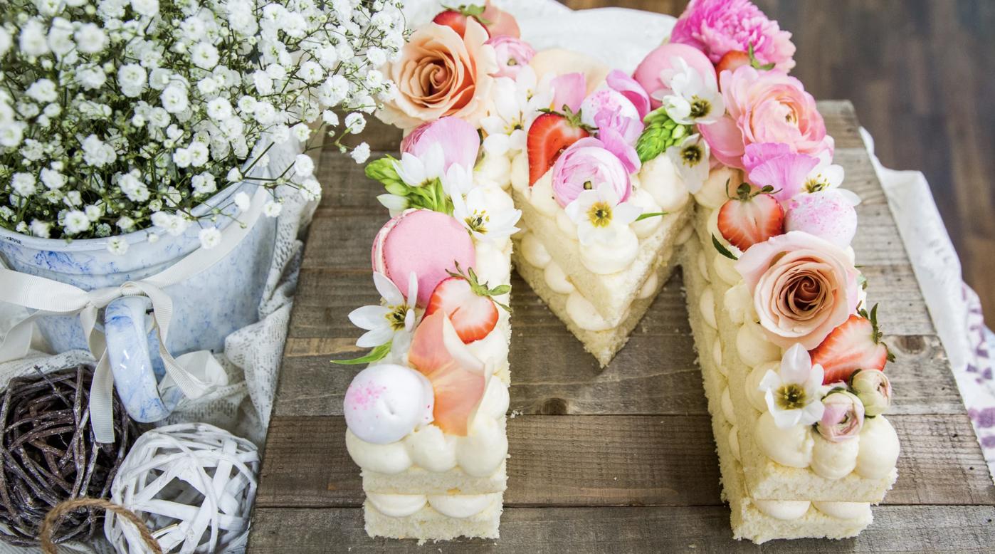 DIY monogram wedding cake