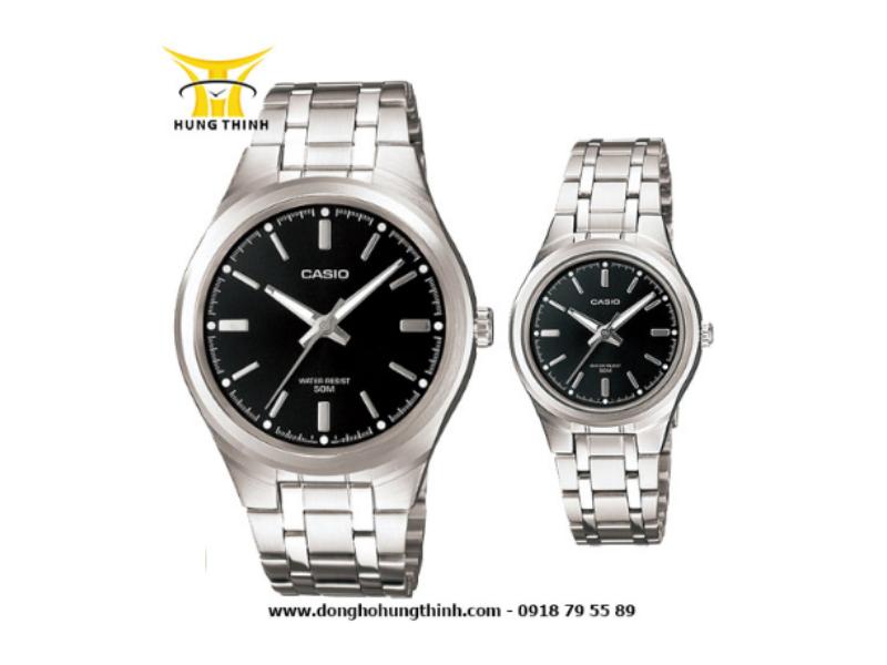 Hai chiếc đồng hồ Casio dây kim loại cặp MTP này đang được bán với mức giá 1.855.000 vnd tại Hưng Thịnh