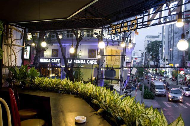 Eleven cafe tại Eleven Cafe - Nguyễn Huệ - 98 Nguyễn Huệ, Bến Nghé, 1, Hồ Chí Minh - undefined