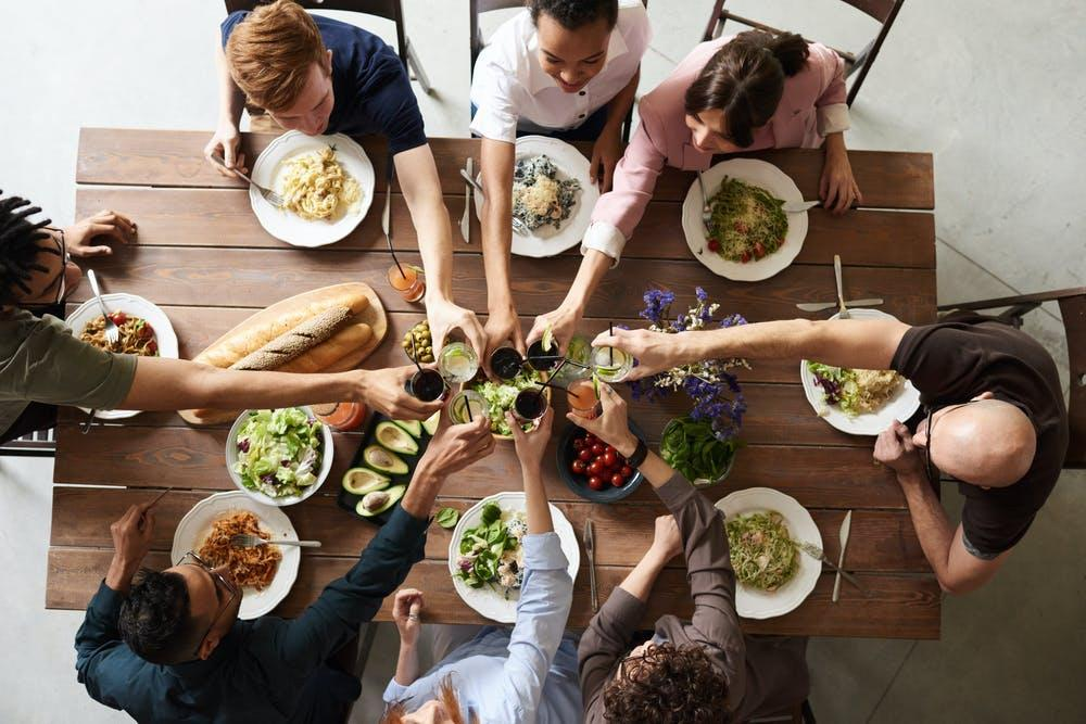 Learn the Main Rules of Business Lunch Etiquette