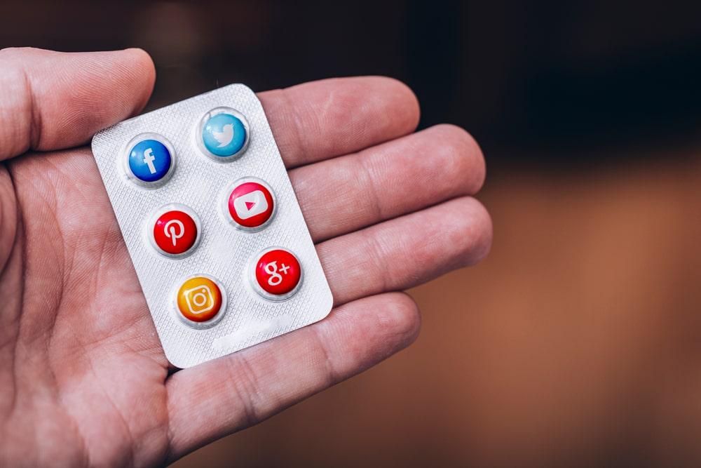 Interação online já é extensão do cotidiano das pessoas. (Fonte: Shutterstock)