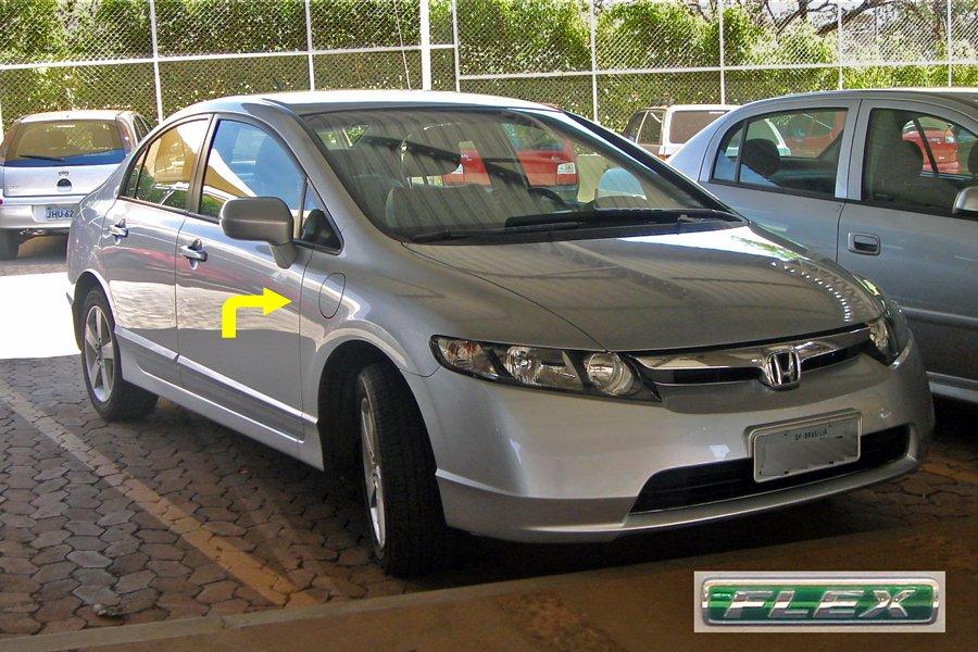 Đang tải Brazilian_Honda_Civic_Flex_car_09_2008_logo_&_secondary_gas_tank.jpg…