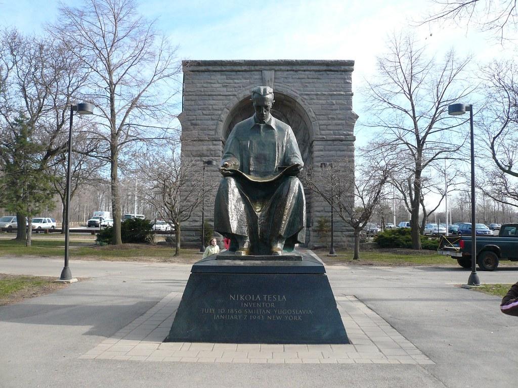 Nikola Tesla Heykeli Nerede