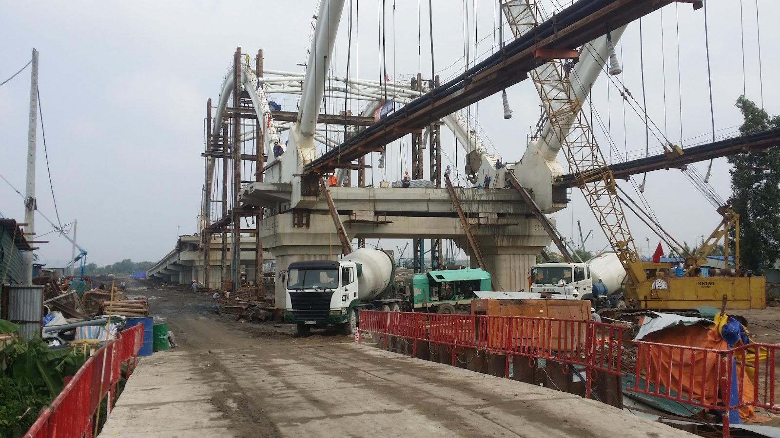 Cầu Phú Hữu