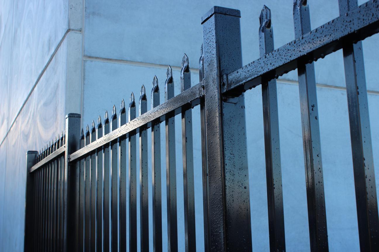 Thép hộp đen được ứng dụng làm hàng rào