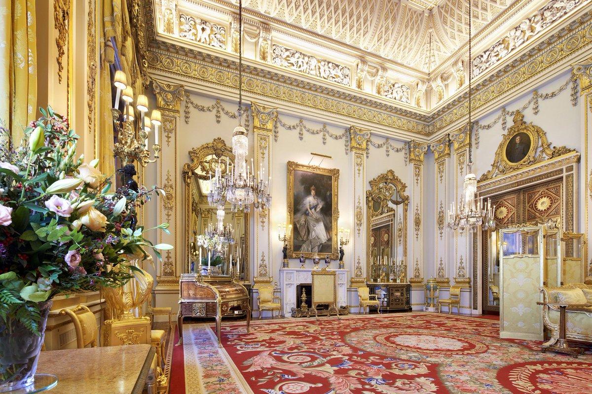 Букингемский дворец Белая гостиная