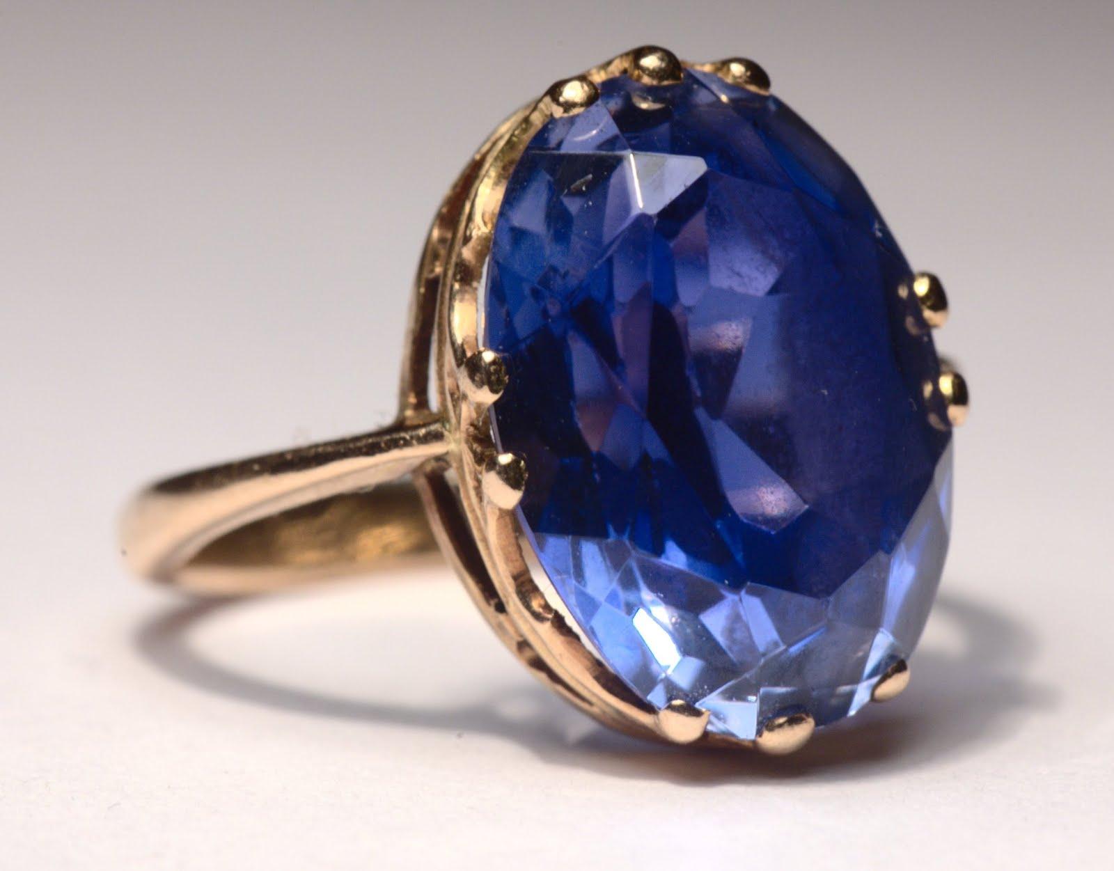 Sapphire_ring.jpg