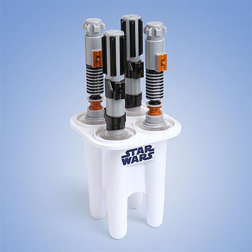 star-wars-lightsaber-ice-pop-maker