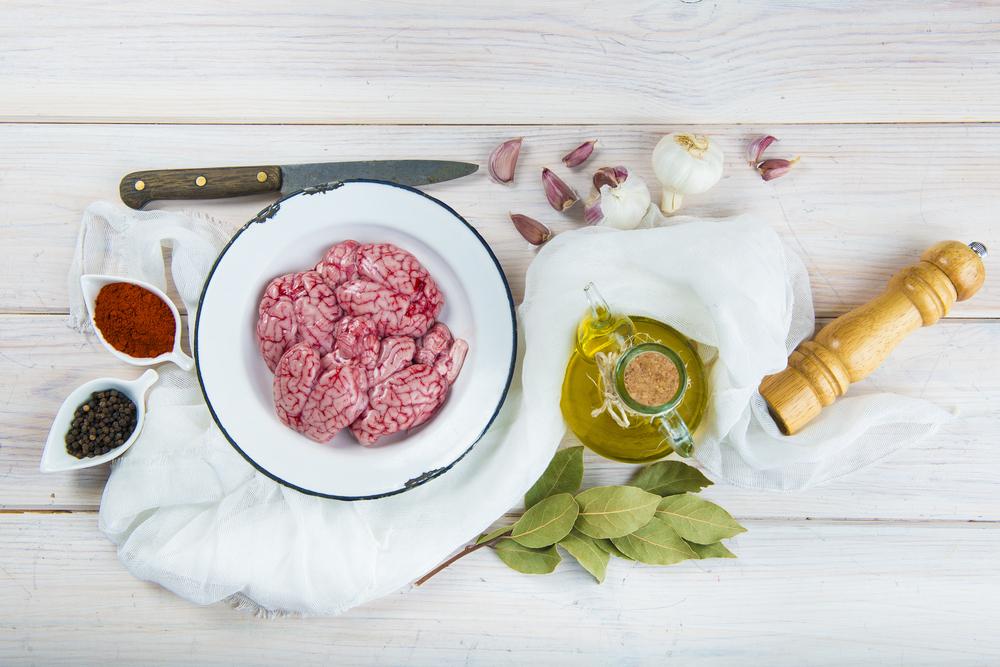 Ingrediente pentru salată de creier de porc