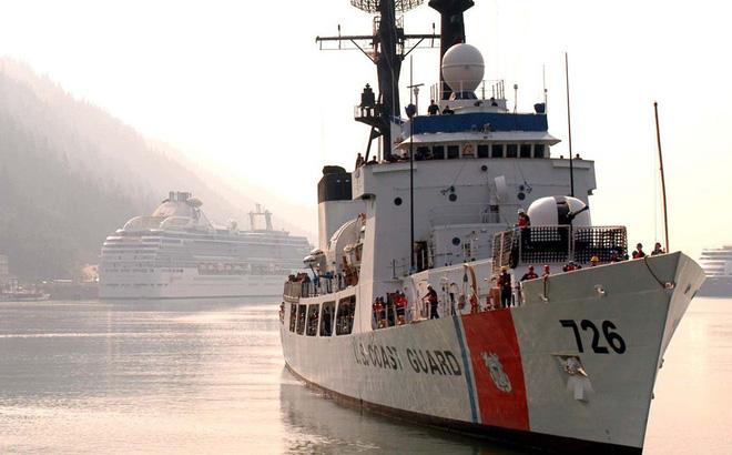 Biển Đông căng thẳng: Tàu dân mất tích, Việt Nam chờ tàu Mỹ cập cảng - Ảnh 2