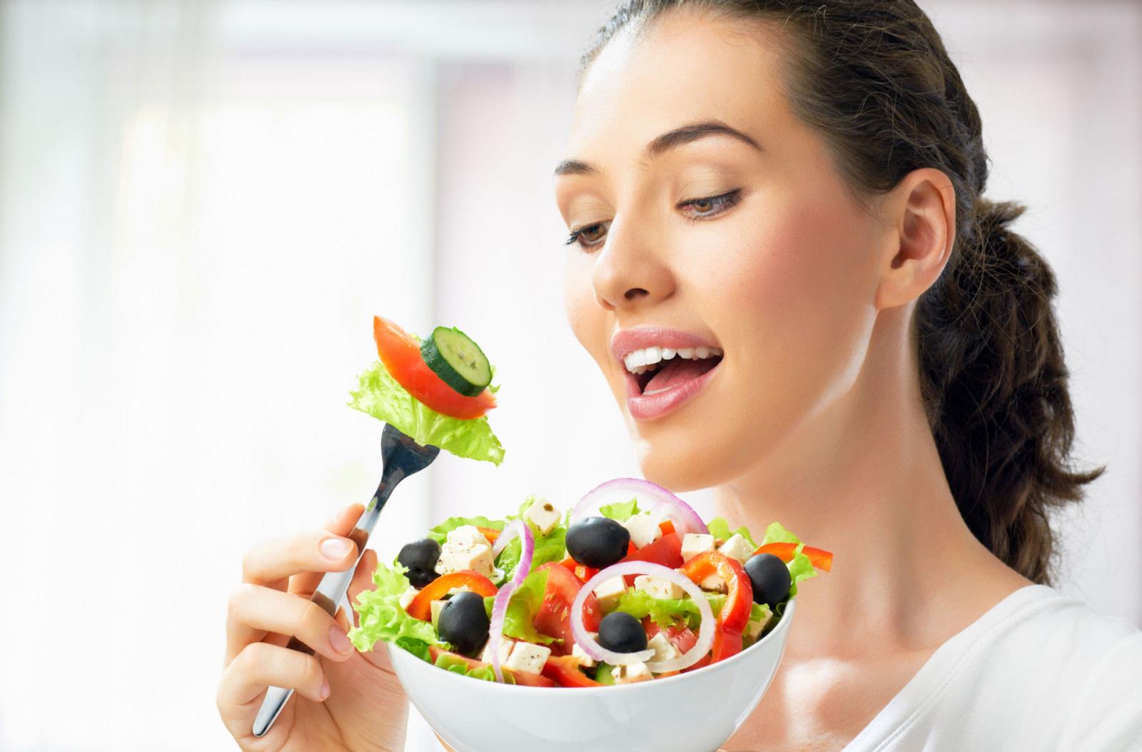 5 loại thực phẩm giúp chị em ngắn ngừa chảy xệ vòng 1 mà lại tốt cho sức khỏe - ảnh 1