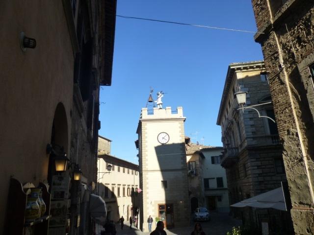 C:\Users\Gonzalo\Desktop\Documentos\Fotografías\La Toscana\103_PANA\103_PANA\P1030535.JPG