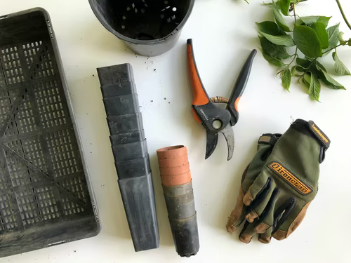 how to sell gardening tools online