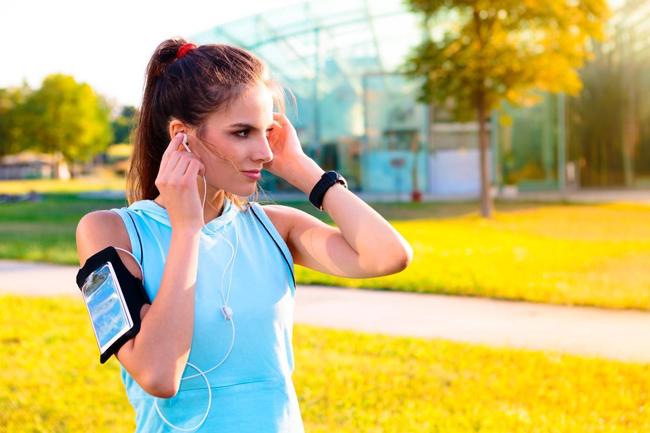 Resultado de imagen de Escuchar música y correr ventajas y desventajas de entrenar con música