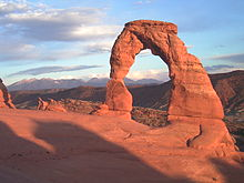 But Tre -Delicate_arch_sunset.jpg