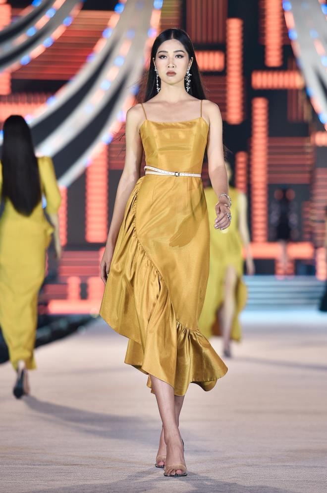 Kỳ Duyên, Đỗ Mỹ Linh khoe chân dài trong đêm thi của 'Hoa hậu Việt Nam' - 13