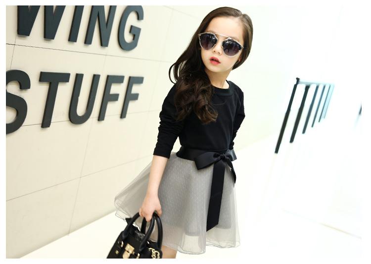 Czarna bluzka dziewczęca