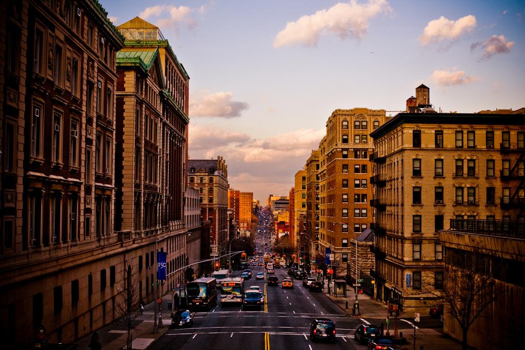 http://wikiredia.ru/wiki/Файл:Morningside_Heights,_NYC.jpg