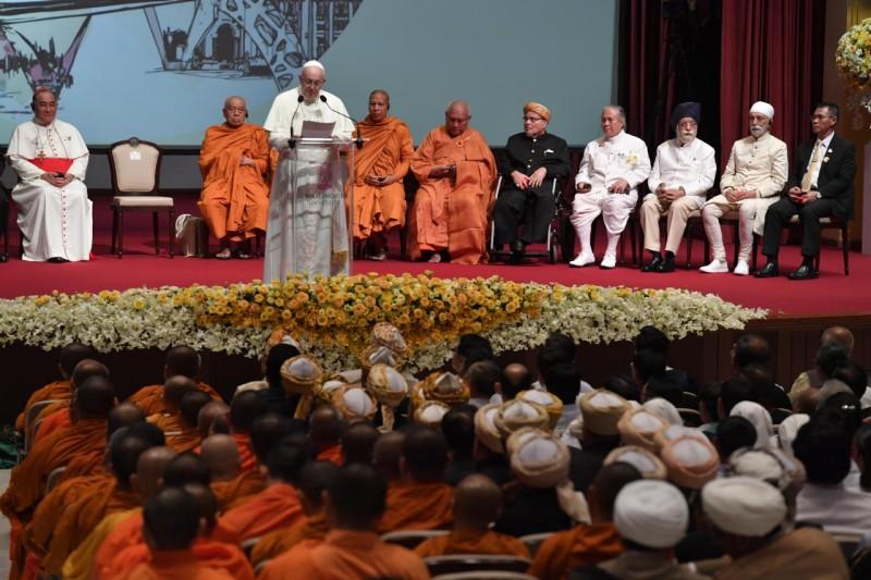 Bangkok: Đức Thánh Cha kêu gọi tôn trọng, quý trọng, hợp tác với nhau giữa các tôn giáo