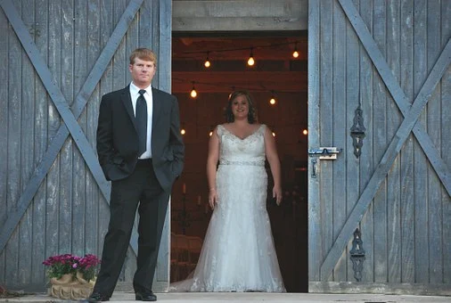 tema pernikahan rustic
