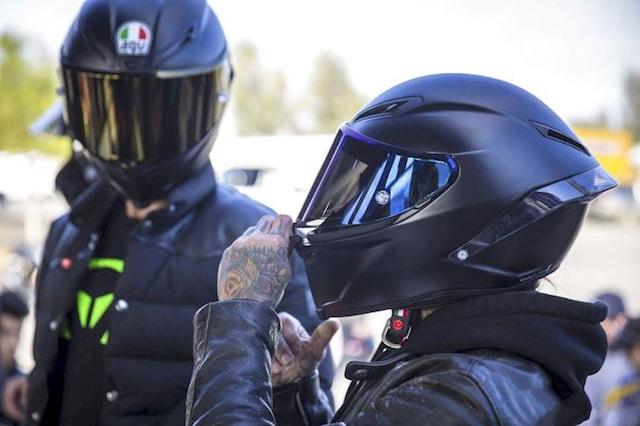 Nón fullface giúp biker cảm thấy tự tin khi lái xe