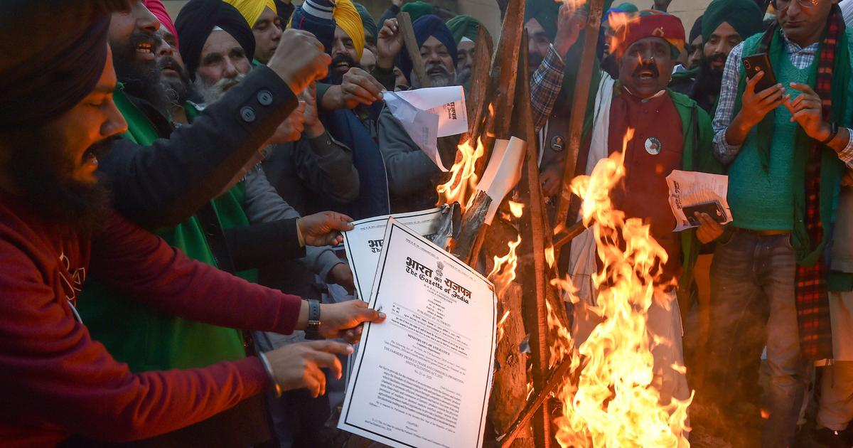 Farmers burn copies of new laws on Lohri as a mark of protest in Punjab, Haryana, Delhi