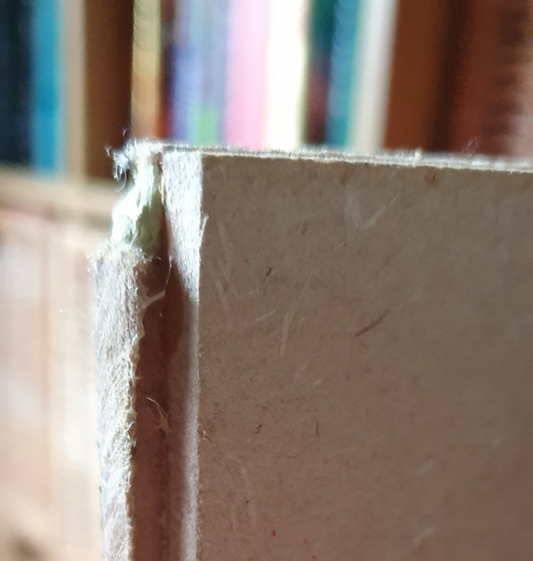 two non-aligned pieces of MDF
