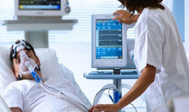Cho bệnh nhân thở máy