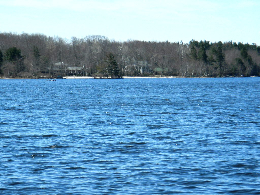 Pocono Lakefront Homes for sale in the Pocono Mountains!