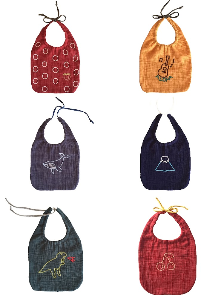 △color   gray / whale navy / Fuji green / dinosaur red / peach red / cherry yellow / aloha  more colors and pattern are available for order  △size  19.5cm x 21cm (the front part)  100% cotton 100% hand embroidery 100% handmade with love