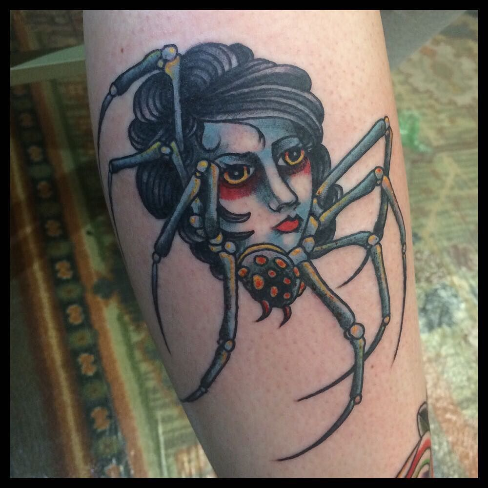 ลายสักแมงมุมผู้หญิง 06