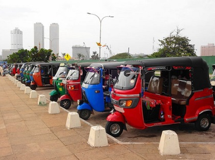 Colombo airport sri lanka tuk tuk - Google Search - Mozilla Firefox.jpg