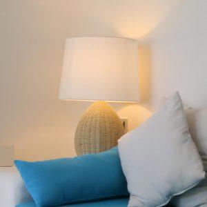 Diện tích nhỏ có sử dụng được đèn nội thất phòng khách hay không?