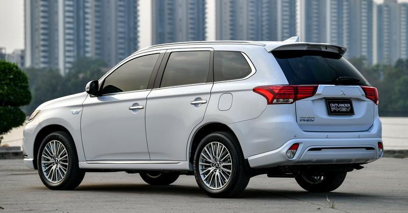 สรุปรถยนต์ : Mitsubishi Outlander PHEV GT Premium