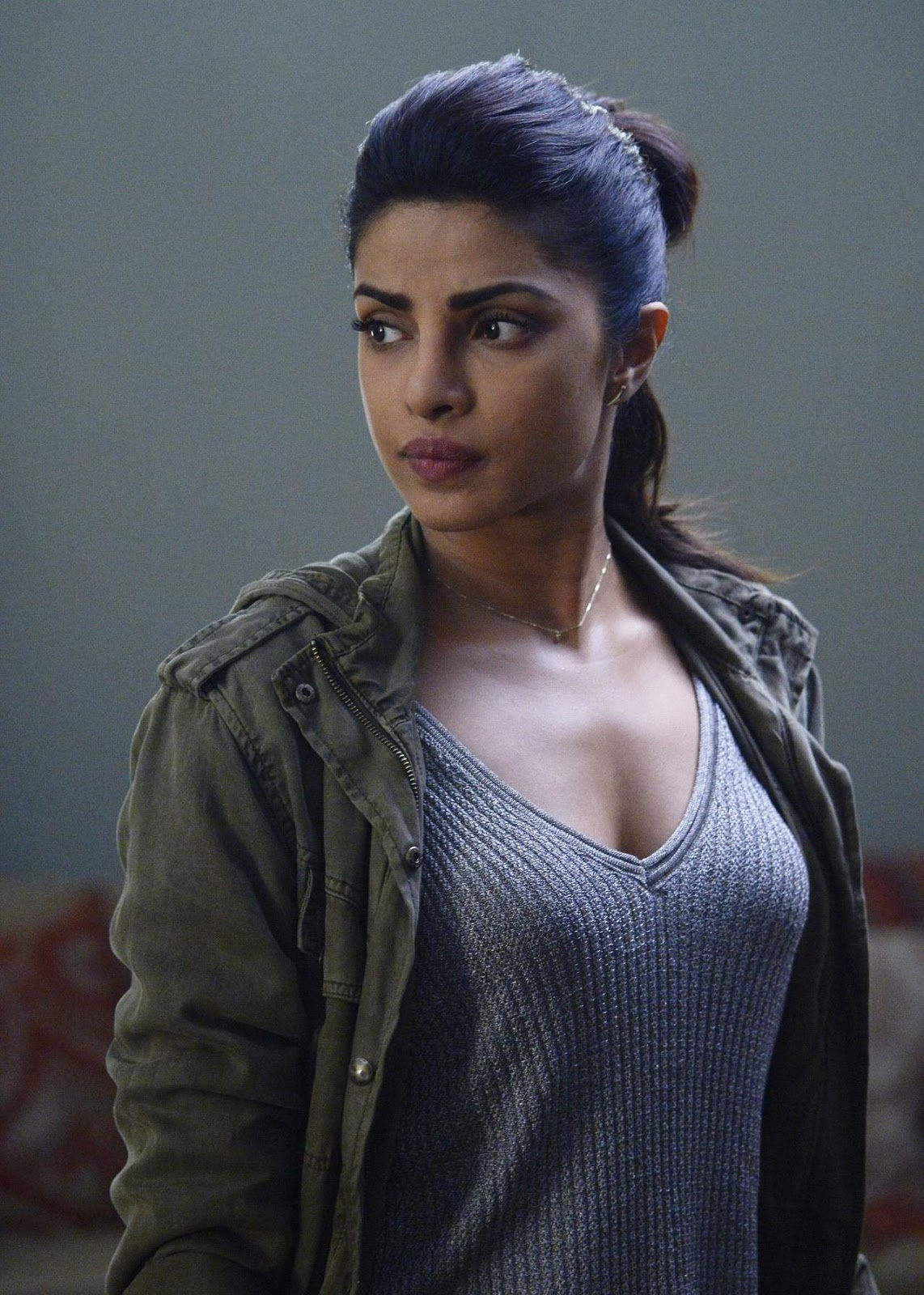 Priyanka Chopra Quatico hot captures