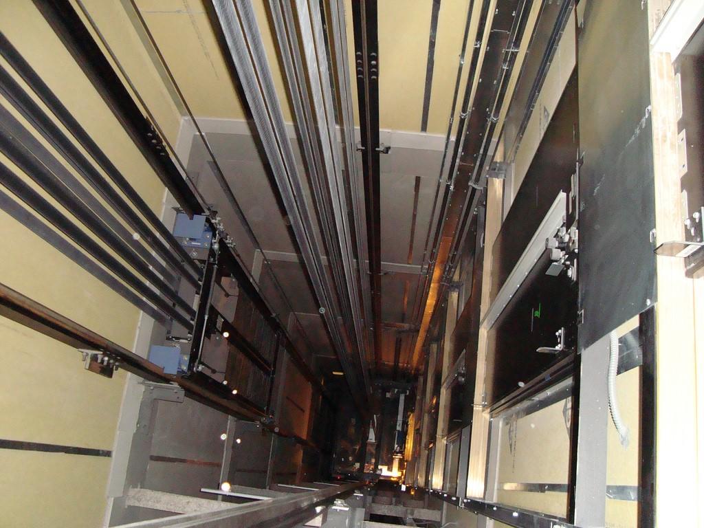 8+ linh kiện cơ bản của thang máy Mitsubishi