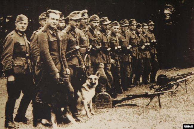 Бійці сотні УПА «Леви» при охороні Збору УГВР в липні 1944 року в селі Сприня Львівської області