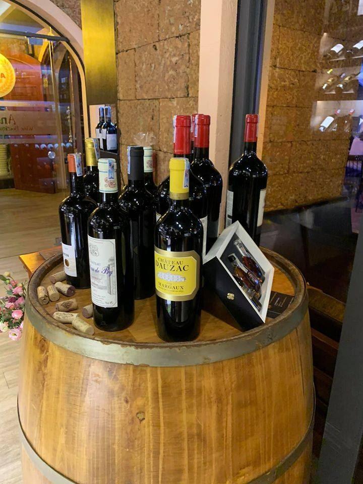 Giá cả rượu vang Pháp ở Anchor phù hợp