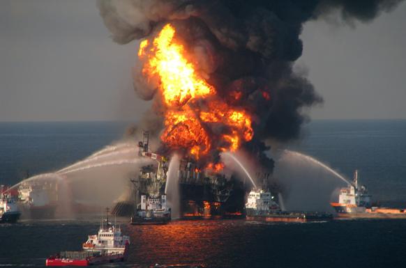 Пожежа на нафтовій платформі Deepwater Horizon біля берегів США (Фото: AFP)