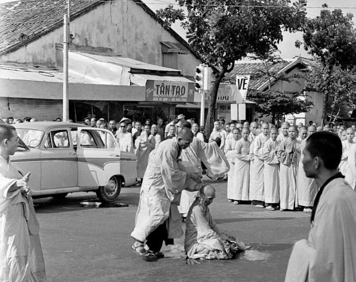 The Buddhist monk Thich Quang Duc burned himself