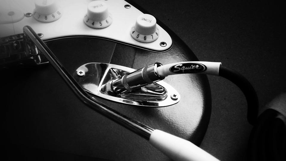 Fender-Guitar-Squier-Love-2212493.jpg